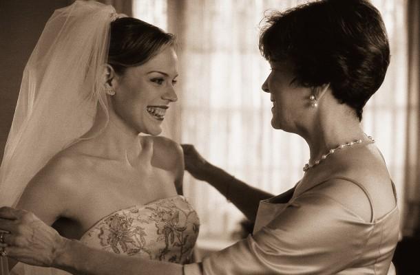Μαμά – πεθερά όμορφες στο γάμο