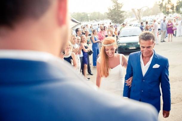 Λιτός γάμος δίπλα στο κύμα …  | Μπίλης & Νάντια