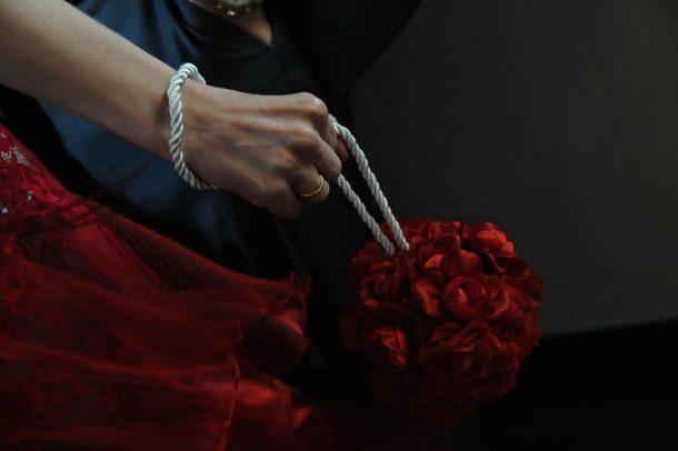 Πολιτικός γάμος στη Βούλα σε κόκκινο χρώμα | Δημήτρης & Σοφία